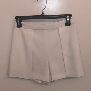 Alice and Olivia white tailored shorts